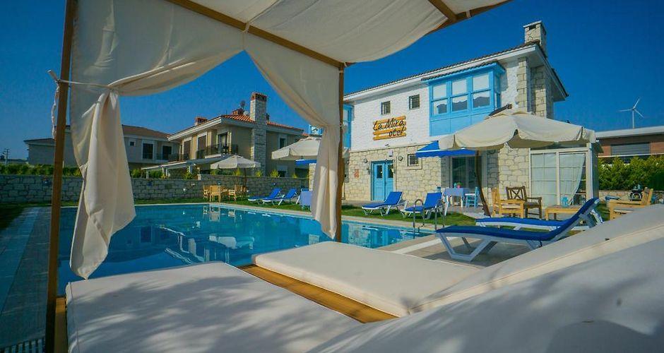 LA MIRA ALACATI GUEST HOUSE - Alacati, Turkey